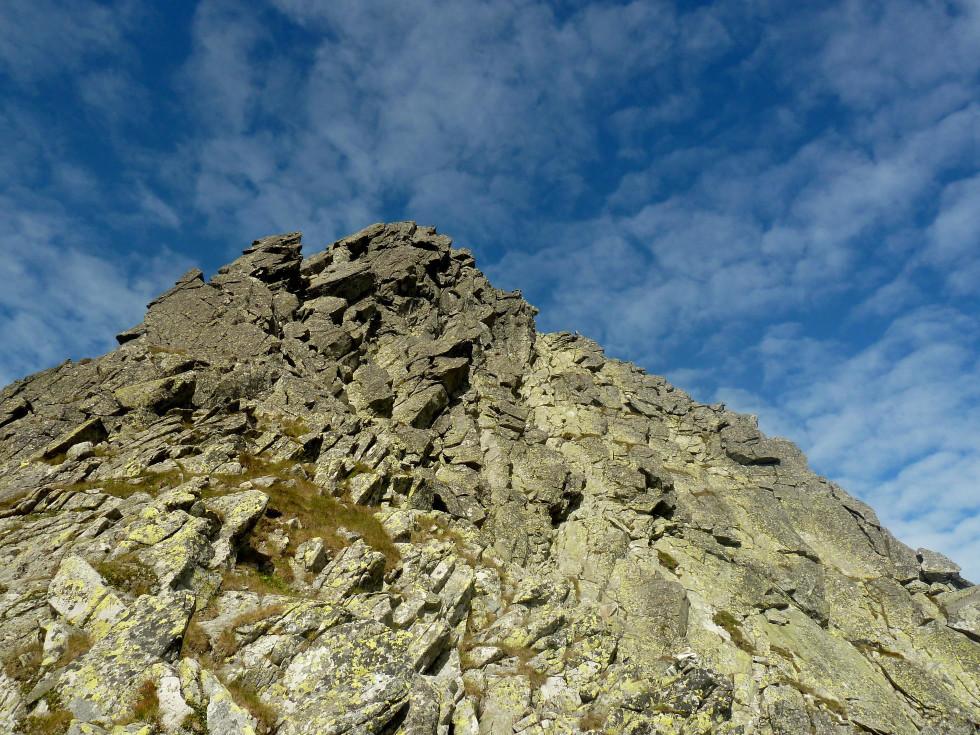 Východná Volia štrbina, pohľad zo sedla na Voliu vežu