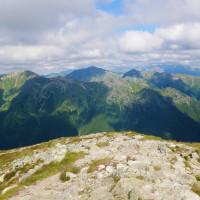 Výhľad na východ smerom z vrcholu Baranca