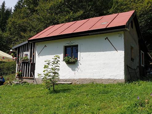 Útulňa pod Kečkou (foto Viktória Košanová)