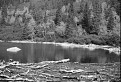 Ťatliakove jazero čierno-bielo