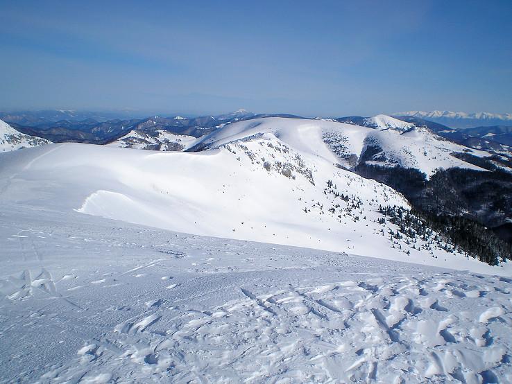 Na hrebeni a vrchole...