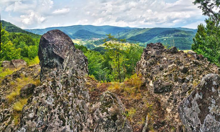 Suchá skala nad Ostrým Grúňom