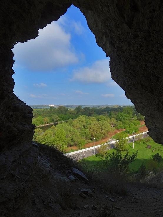 Abrazna jaskyna