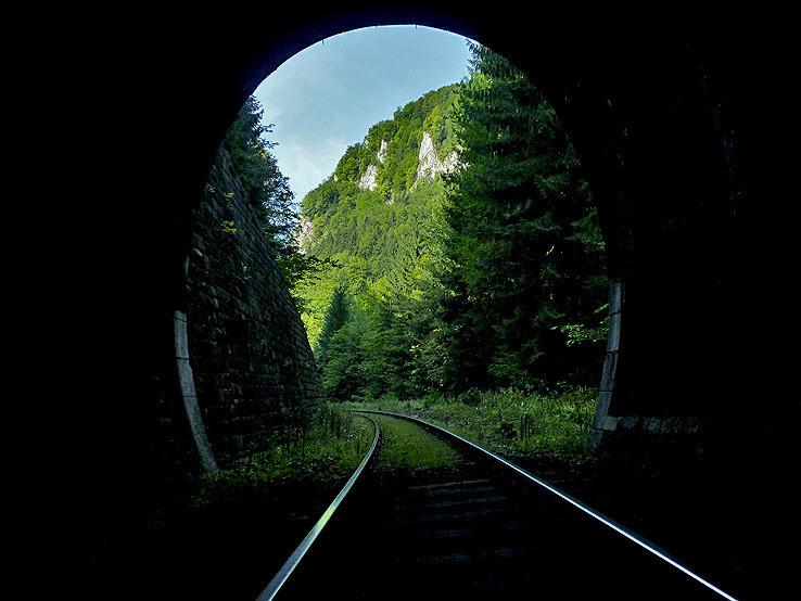 Z  tunela