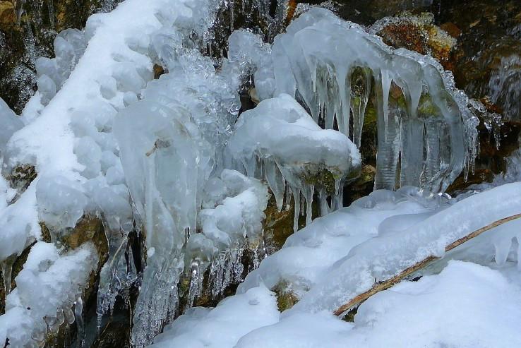 Ľadové ornamenty.