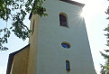 Oddych v tieni kostola